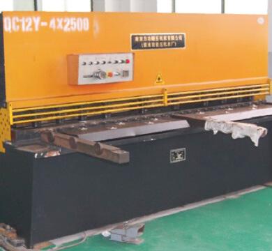 sawing-machining